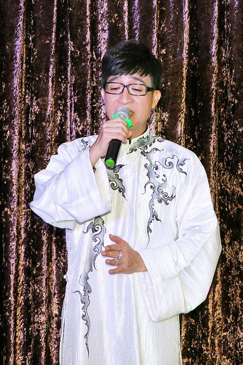 van khanh khoe giong hat ngot ngao ben nguyen duc - 2