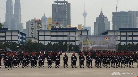 malaysia lap trung tam truyen thong chong is - 1