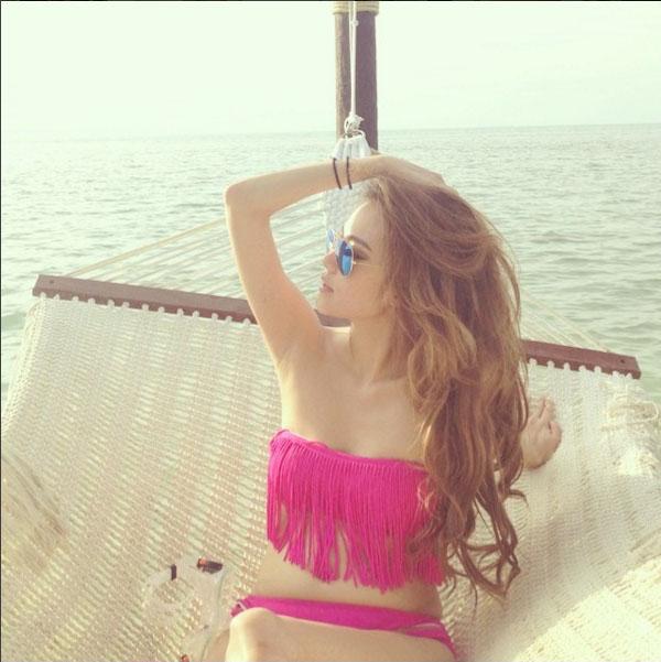 "da mat vi bikini kieu nao cung hot cua katun ""tinh yeu khong co loi"" - 3"