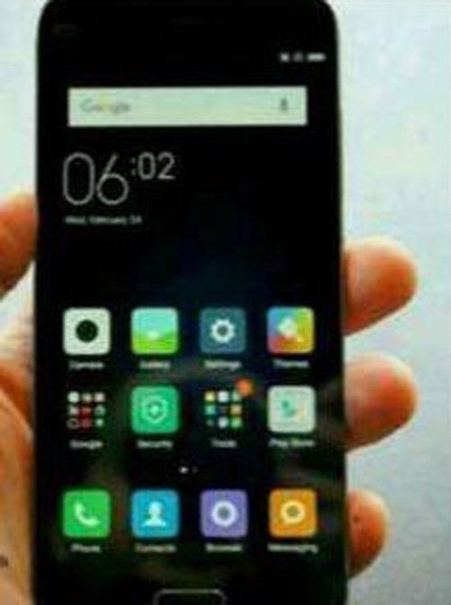 lo smartphone canh tranh iphone se, re hon 3 trieu dong - 1