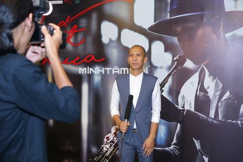 "nam cuong ""tron"" vo den mung saxophone minh tam bui - 3"