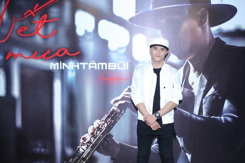 "nam cuong ""tron"" vo den mung saxophone minh tam bui - 4"