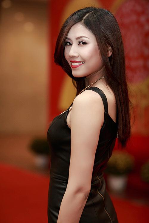 nguyen thi loan dong hanh cung cuoc thi hoa hau bien vn 2016 - 2