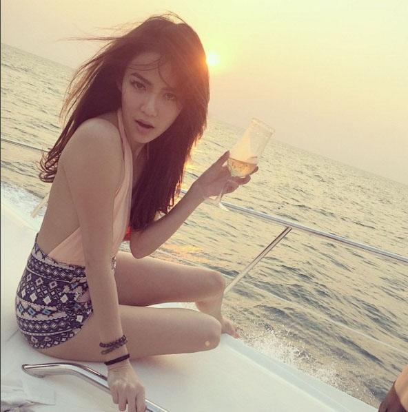 "da mat vi bikini kieu nao cung hot cua katun ""tinh yeu khong co loi"" - 1"