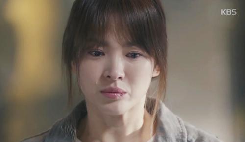 "song joong ki hoa ""hac y nhan"" xong vao hang cop cuu song hye kyo - 8"