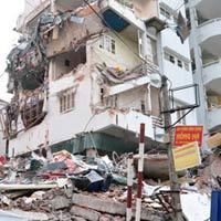 HN: Một ngôi nhà năm tầng đổ sụp