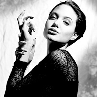 """Ảnh độc của """"người mẫu"""" Angelina Jolie"""