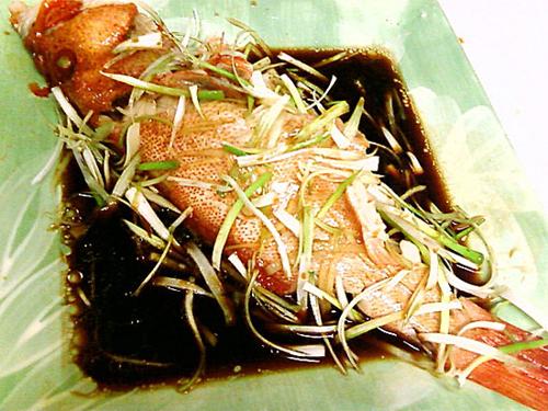 Món ngon cuối tuần: cá hấp xì dầu - 1