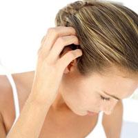 Tại sao tóc nhiều gầu?