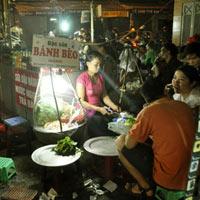 Thưởng thức món ngon chợ đêm Hà thành