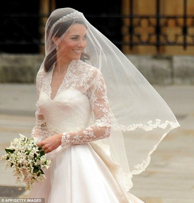 Ngắm trọn váy cưới tân công nương HG Anh - 10