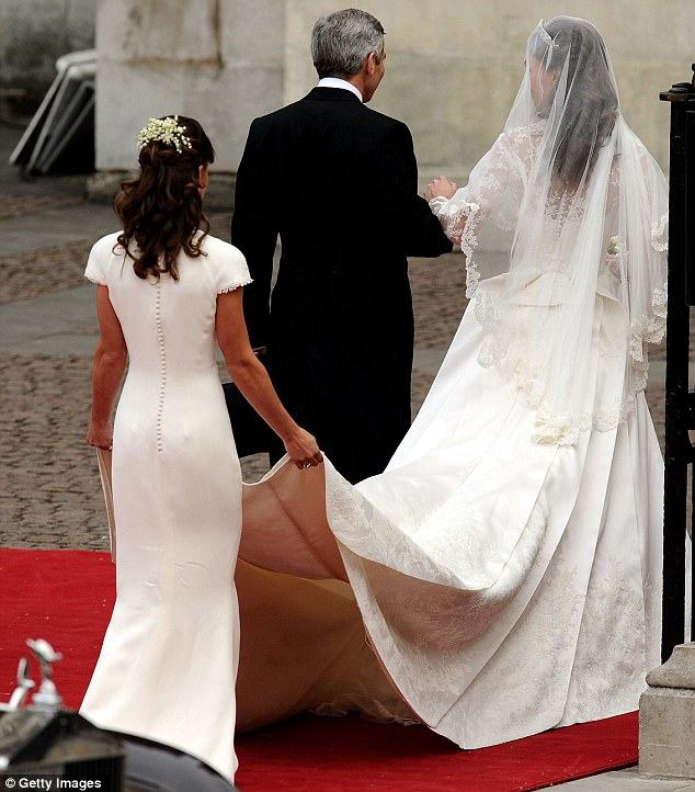 Ngắm trọn váy cưới tân công nương HG Anh - 11