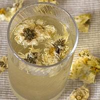 Tự làm trà hoa cúc không khó