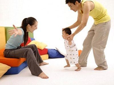 Khắc phục chân vòng kiềng cho bé - 1