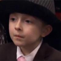 Cậu nhóc 7 tuổi gây 'sốt' với giọng ca 'ngọt lịm'