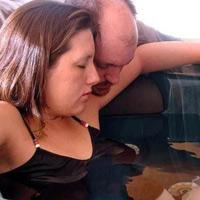 Sinh con dưới nước