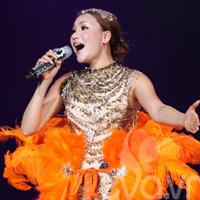 Nhìn lại những 'chiêu độc' trong live show của Hồ Quỳnh Hương