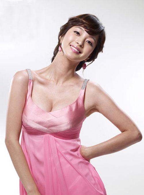 Yuri thành viên nhóm SNSD   Ngôi sao mặc bikini đẹp nhất xứ Hàn 1306739718 saohan langsao eva  5