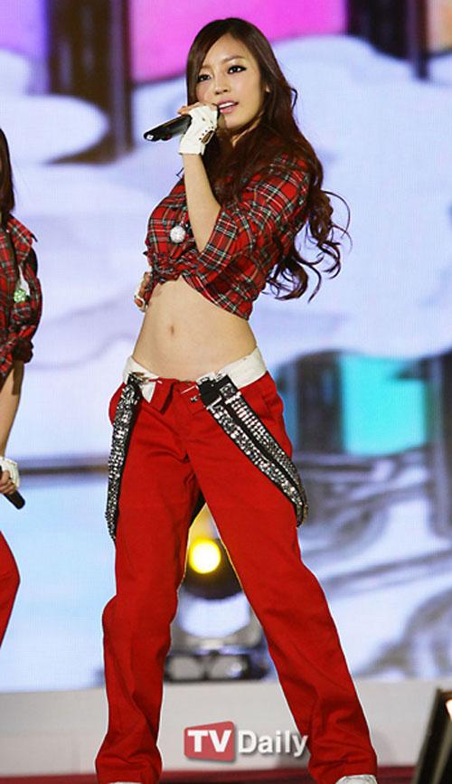 Yuri thành viên nhóm SNSD   Ngôi sao mặc bikini đẹp nhất xứ Hàn 1306739718 saohan langsao eva  6