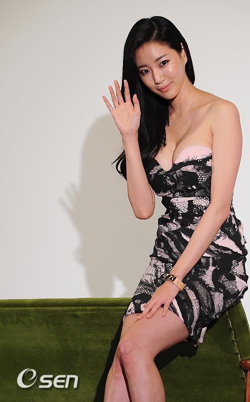Yuri thành viên nhóm SNSD   Ngôi sao mặc bikini đẹp nhất xứ Hàn 1306740055 saohan langsao eva  8