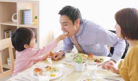 Đối phó với chứng lười ăn của trẻ - 1