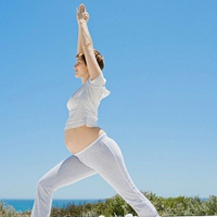 Video: Tập thể dục giảm đau lưng cho bà bầu