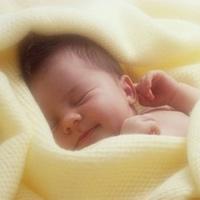 Xoa dịu cơn đau bụng của bé sơ sinh