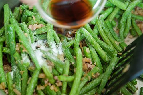 Đậu đũa xào tôm khô, ăn là mê - 8