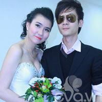 Chồng Thanh Vân Hugo một mình đi ăn cưới