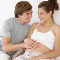 """Cách """"yêu"""" an toàn cho mẹ bầu"""