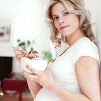 Tiết nhiều nước bọt khi mang thai