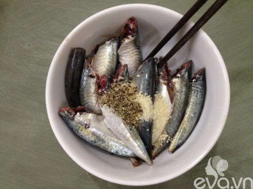 Bữa tối ngon cơm với cá nục sốt cà chua - 2