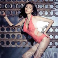 Khánh My diện bikini khoe 3 vòng gợi cảm