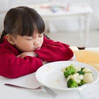 Quy tắc 2S trị bệnh lười ăn cho bé