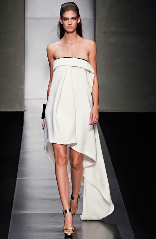 15 chiếc váy bất đối xứng tuyệt đỉnh nhất hè - 13