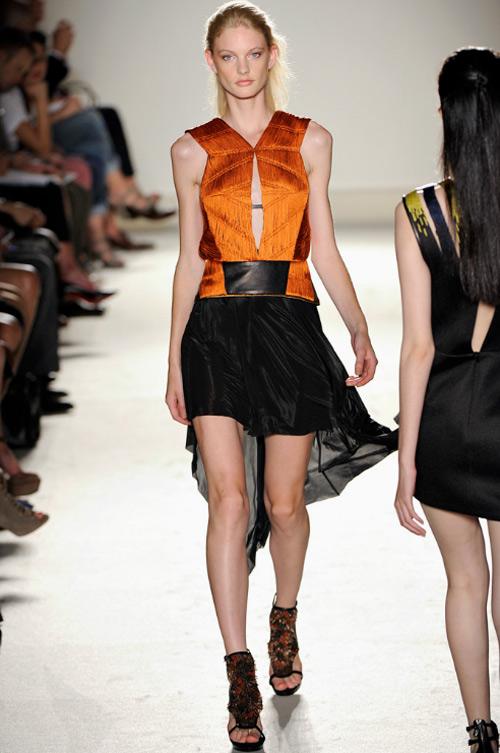 15 chiếc váy bất đối xứng tuyệt đỉnh nhất hè - 15