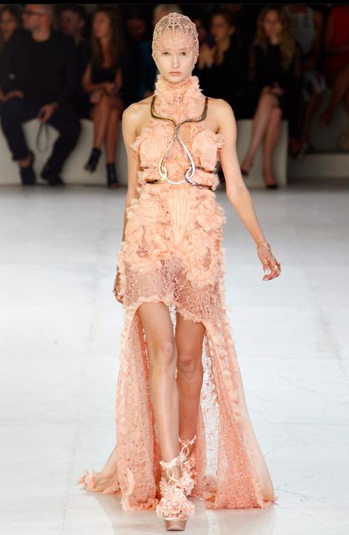 15 chiếc váy bất đối xứng tuyệt đỉnh nhất hè - 5