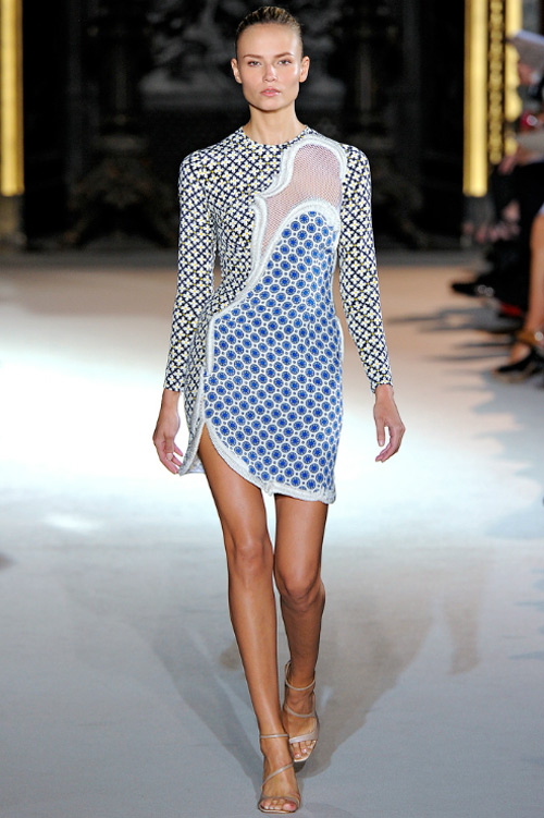 15 chiếc váy bất đối xứng tuyệt đỉnh nhất hè - 9