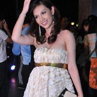 """Hot girl Quỳnh Chi """"ăn cơm trước kẻng""""?"""