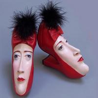 Giày mặt người phá cách đáng mê