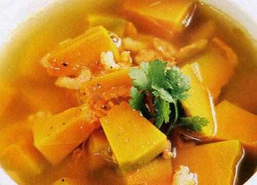 Ngon cơm với canh bí đỏ nấu nấm rơm - 2