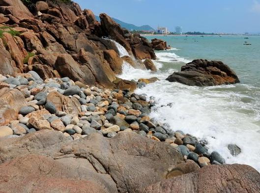 Những bãi tắm tuyệt đẹp ở Quy Nhơn - 1
