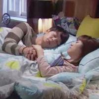 """Cảnh """"giường chiếu"""" rung động khán giả của Yoochun"""