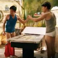 Trấn Thành, Isaac bất ngờ bị... tuột quần