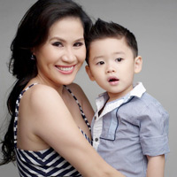 Thân Thúy Hà mãn nguyện bên con trai 3 tuổi