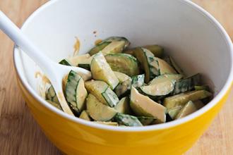 Salad dưa chuột vừa mát vừa giòn - 3