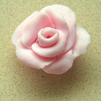 Làm hoa hồng trang trí cho bánh ngọt nào