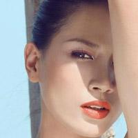 Tông son cam mới mẻ như Trang Trần
