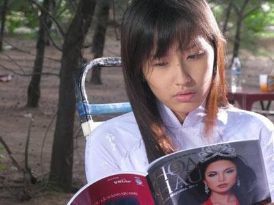 """Điểm mặt """"người đẹp bán dâm"""" trên màn ảnh Việt - 1"""
