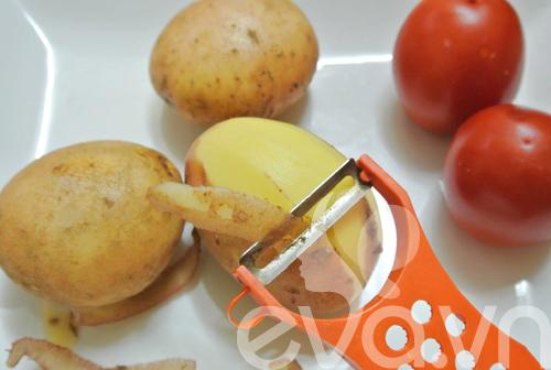 Đổi món với khoai tây xào pate - 2